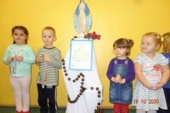 milion-dzieci-modli-sie-na-rozancu-9