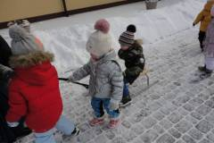 2021-ochronka-pilzno-zabawy-sniegowe-11
