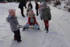 2021-ochronka-pilzno-zabawy-sniegowe-16