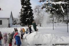 2021-ochronka-pilzno-zabawy-sniegowe-23