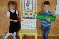 nauczyciel-uczy-dzieci-pazdziernik_2020-12