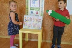 nauczyciel-uczy-dzieci-pazdziernik_2020-4