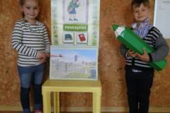 nauczyciel-uczy-dzieci-pazdziernik_2020-8