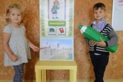 nauczyciel-uczy-dzieci-pazdziernik_2020-9