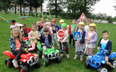 Przestrzegamy zasad ruchu drogowego